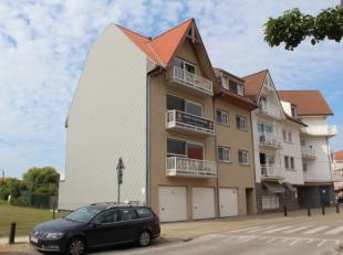 Centraal doch rustig gelegen, zeer recent gebouwd ruim ( 140M2) duplex-appartement.Het appartement omvat op de 3de verd: inkom met wc, ruime living me