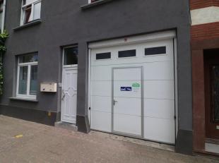 Deze loods is gelegen nabij een grote uitgangsweg van Oostende. De loods zelf bedraagt 145 m2 op het gelijkvloers en er is ook nog een tweede verdiep