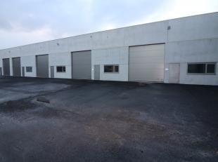 TE HUUR OOSTENDE: Groot nieuwbouw magazijn / loods te huur op unieke locatie, gelegen te Edward Vlietinckstraat 8, in het industriegebied van Oostende