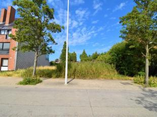 Welgelegen lot bouwgrond te Oostende/Mariakerke - rustige woonomgeving - 1240 m² grondoppervlakte - 18 meter gevel.<br /> <br /> Geschikt voor he