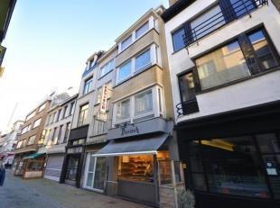 Welgelegen handelshuis gelegen in winkel- en wandelstraat in de bruisende stadskern van Oostende - actueel ingericht als bakkerij + bovenwoonst - 101m