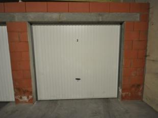 Gunstig gelegen volumineuze garagebox n° 3 in Oostende - afgesloten garagecomplex met afstandsbediening - gelijkvloersverdieping - actueel verhuur