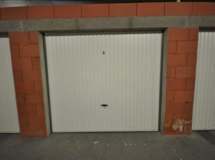 Gunstig gelegen volumineuze garagebox n°5 in Oostende - afgesloten garagecomplex met afstandsbediening - gelijkvloersverdieping - actueel verhuurd