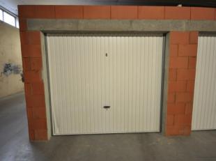 Gunstig gelegen volumineuze garagebox n°6 in Oostende - afgesloten garagecomplex met afstandsbediening - gelijkvloersverdieping - actueel verhuurd