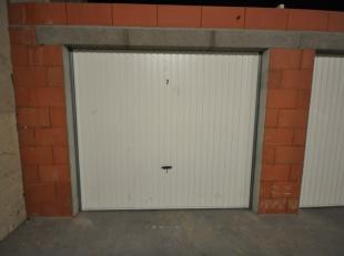 Gunstig gelegen volumineuze garagebox n° 7 in Oostende - afgesloten garagecomplex met afstandsbediening - gelijkvloersverdieping - actueel verhuur