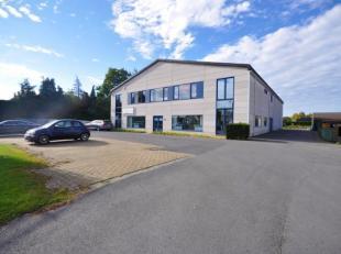 Bijzonder goed gelegen handelsruimte aan opvallende baanlocatie (invalsweg Oostende - Gistel - Torhout) - 727m² handelsoppervlakte bestaande uit