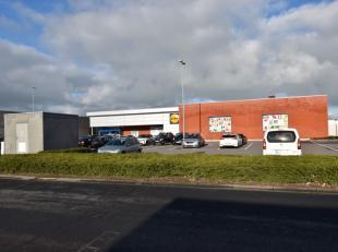 Bouwgrond winkelcentrum Middelkerke - momenteel ingericht als parking met 26 plaatsen (meer mogelijk) - 1.050 m² - verhuurd aan solvabele huurder