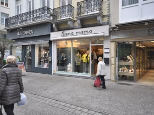 """Speciaalzaak in zwangerschapskledij """"Biena Mama"""" over te nemen - gelegen op een absolute A1 toplocatie Adolf Buylstraat Oostende - 40 m² winkelop"""