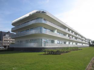 Schitterend appartement met subliem zicht op de golf van Oostende, terrassen voor en achter, ruime living met open keuken, 2 ruime kamers, mog. tot aa