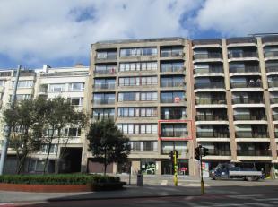 Centraal gelegen 3 slaapkamer appartement met zonnig terrasje in het centrum van Oostende, 2° verdieping in een rustige en goed onderhouden reside