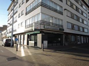 Hoofdwinkelstraat Middelkerke, modern en professioneel ingerichte hoekzaak, ideaal als extra verkoopspunt, goed zakencijfer, mogelijkheid tot aankoop
