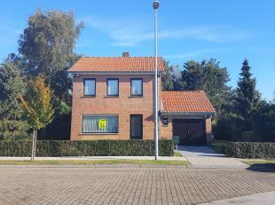 Zeer rustig gelegen, alleenstaande 3 slpk woning met garage, zonnige tuin en ruime zolder, gelegen in het gegeerde Gistel, vlakbij centrum, openbaar v