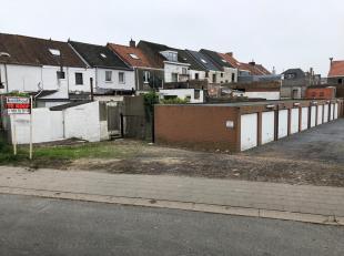 Bovengrondse garagebox n°4 gelegen in de Nukkerstraat/Dijkweg te Bredene. Contacteer ons voor meer informatie!