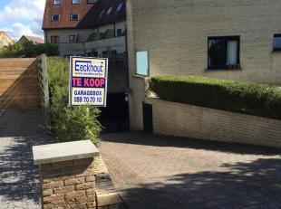 """Ondergrondse gesloten garagebox n°23 in de residentie """"Four Seasons"""" gelegen op de hoek van de Nieuwe Steenweg<br /> en Ringlaan Zuid dichtbij het"""