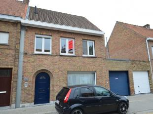 Goed onderhouden, instapklaar ruim woonhuis.Mooi gelegen in het rustige kunstenaarsdorp Lissewege op 12km van centrum Brugge en op wandelafstand van w