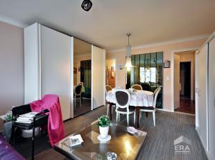 Mooie studio gelegen op de 2de verdieping van de residentie Equus te Oostende. Indeling: inkom, badkamer met douche, toilet, woonkamer met toegang tot