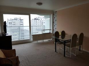 Studio gelegen op de 7de verdieping van de residentie Equus te Oostende. Indeling: inkom, badkamer met douche, toilet, woonkamer met toegang tot een m