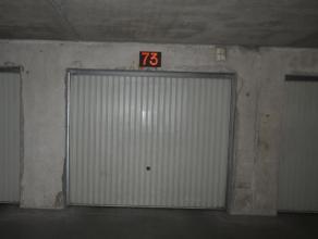 Deze gesloten garagebox met het nummer 73 gelegen in de ondergrond van residentie Equus. De garage heeft een breedte van 2,85m, een diepte van 5,40m e