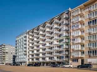 Dit schitterend appartement (94 m²) is gelegen op de 4de  verdieping van de residentie Costa Brava en omvat een mooie woonkamer vanwaar u geniet