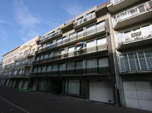 Gesloten garagebox met het nummer 7 gelegen op de -1 verdieping van residentie Boreas/Helios, vlakbij de Zeedijk van Oostende-Mariakerke. De garage is