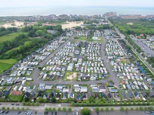 Mooi perceel voor het plaatsen van een caravan of bungalow op 800m van de zee - vlakbij Nieuwpoort-Bad in het rustige domein Dunepark. Het domein heef