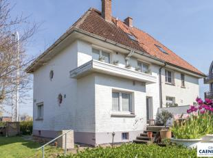 Prachtig en rustig gelegen halfopen villa in de Similiwijk<br /> Op wandelafstand van de Zeedijk en Jachthaven<br /> 3 parkeerplaatsen privé<br