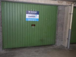 Top gelegen garagebox;5,6 meter diepte;3,2 meter breedte;Perfect voor monovolume of gezinswagen;Zoekt niet langer naar parking;Betaal niet langer park