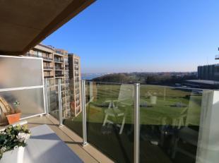 Top ligging aan de zonnekant van Residentie Den Oever III, met open zicht op de Havengeul!Inkomhal met opklapbed en vestiaire kast;Badkamer met douche