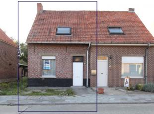 Jonge starter en op zoek naar een woning te renoveren naar uwsmaak en noden?<br /> Danis deze halfopen op te frissen of te renoveren bebouwing met 2 s