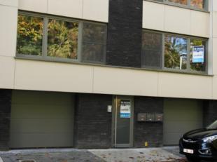 Op wandelafstand van het Centrum in de Stationsstraat is dit duplex appartement gelegen met vooraan prachtig zicht op het Domein De Valkaart en achter