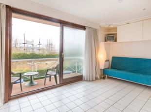 Instapklare studio met terras;<br /> Gelegen op de 1e verdieping;<br /> Badkamer met ligbad;<br /> Open ingerichte keuken;<br /> Gemeenschappelijk zwe
