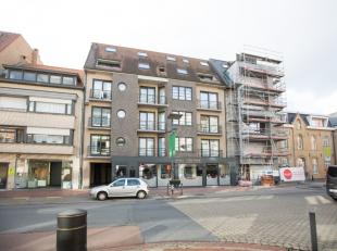 Gesloten garagebox in centrum van Middelkerke;Automatische poort met afstandsbediening;Afmetingen: 2m75 x 5m30;