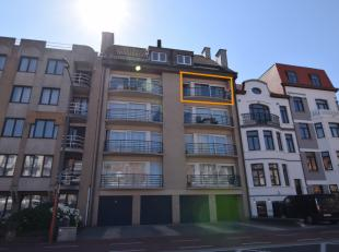 Het appartement bestaat uit:<br /> Zonnige woonkamer;<br /> Aparte keuken met aansluitend berging;<br /> Badkamer met ligbad;<br /> Twee slaapkamers;<