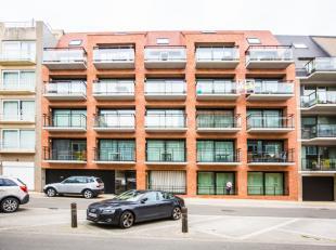 Exclusief appartement met 3 slaapkamers;<br /> 2 zongerichte terrassen;<br /> Zijdelings zeezicht;<br /> Keuken met eiland, composiet werkblad, onderb