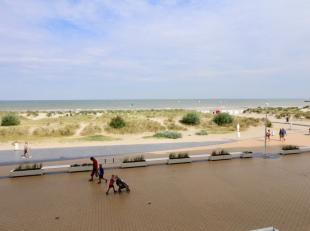 Uw droom begint hier! Instapklaar appartement met brede living op de Zeedijk van Nieuwpoort:<br /> Leefruimte van 5m50 breed met toegang tot het terra