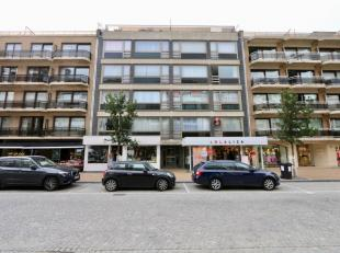 Na een grondige opfrisbeurt hebt u hier een top-appartement op een top-ligging:<br /> Leefruimte van 30 m2 met uitzicht op de Albert I laan;<br /> Keu
