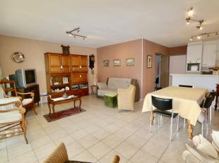 Verzorgd appartement met binnenslaapkamer bestaande uit:<br /> Inkomhal met ruime bergingvoorzien van aansluiting voor de wasmachine;<br /> Badkamer m