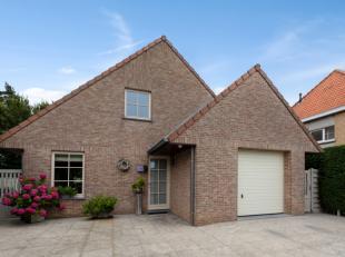 Gesitueerd op een residentiële ligging te Leffinge voldoet deze villa aan alle voorwaarden van comfortabel en landelijk wonen.Gelegen nabij alle
