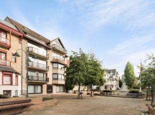 Héél ruim appartement gelegen op het pittoreske Koning Albertplein in De Panne.Er werden 2 appartementen samengevoegd tot 1 waardoor het