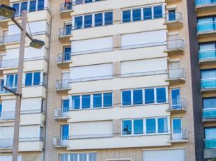 instapklaar appartement met 2 ruime slaapkamers;<br /> frontaal zeezicht;<br /> ruime inkom;<br /> terras voor- en achteraan;<br /> gesloten ingericht