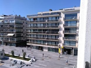 Woonkamer met mooi uitzicht op het plein;<br /> Aparte keuken;<br /> Badkamer met ligbad;<br /> Apart toilet;<br /> Terras;<br /> + euro 75 maandelijk