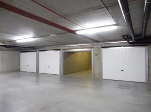 Ruime garagebox met berging te koop in de residentie Astoria Breedte: 2,56m x diepte: 6m x hoogte 2m