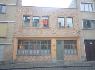 """<br /> Deze ruime woning is uitstekend gelegen in het oude stadscentrum van Oostende. Op wandelafstand van de zee, shoppingcentrum, cultuurcentrum """"D"""