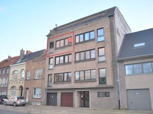 Dit gezellige appartement is goed gelegen nabij invalswegen, openbaar vervoer en op fietsafstand van het centrum. Open zicht vanuit de living en de ke