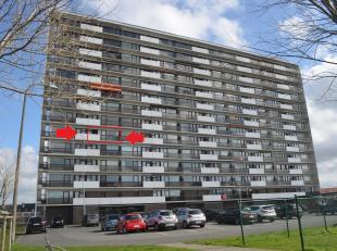 Dit appartement op de 5e verdieping is uitstekend gelegen op de grens van Bredene en Oostende nabij zee, winkels en openbaar vervoer. Vanuit het appar