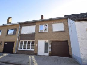 Ongemeubeld 2 slaapkamer appartement op de 1ste verdieping van een kleine en rustig gelegen residentie zonder lift, vlakbij de expressweg te Brugge (N