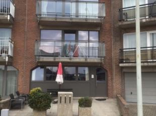 Zonnig, ruim ongemeubeld appartement. Gebouw zonder lift. Indeling: hall, living met balkon, open ingerichte keuken, badkamer met ligbad, apart toilet