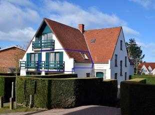 Agréable appartement orienté vers le sud situé au calme dans la petite résidence-villa Château Petit Sable dans la c