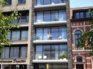 Residentie Jean wordt momenteel gebouwd in de Kerkstraat.   Uiterst centrale ligging in de hoofdwinkelstraat.   Op het gelijkvloers is er een handelsp