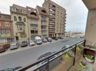 Appartement met twee slaapkamers met zicht op Epernayplein en schuin zeezicht.<br /> Gelegen op de eerste verdieping. Het gebouw is perfect in orde.<b